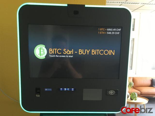 Máy rút tiền tự động Bitcoin tại Zug